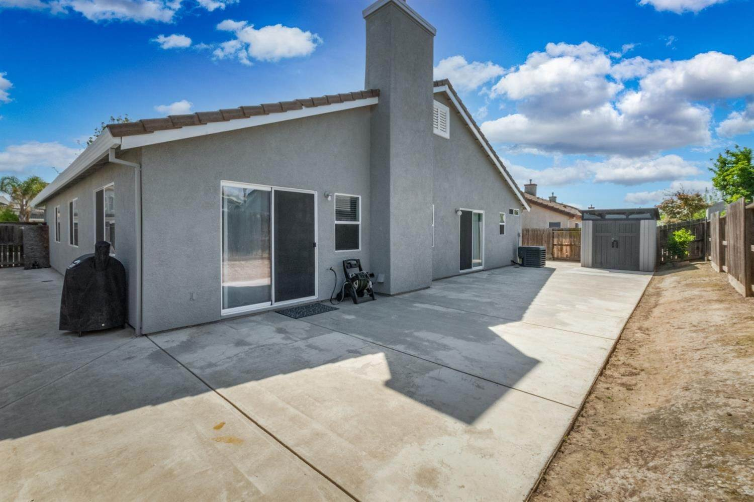 32. Single Family Homes for Active at 5029 Alee Lane Stockton, California 95206 United States