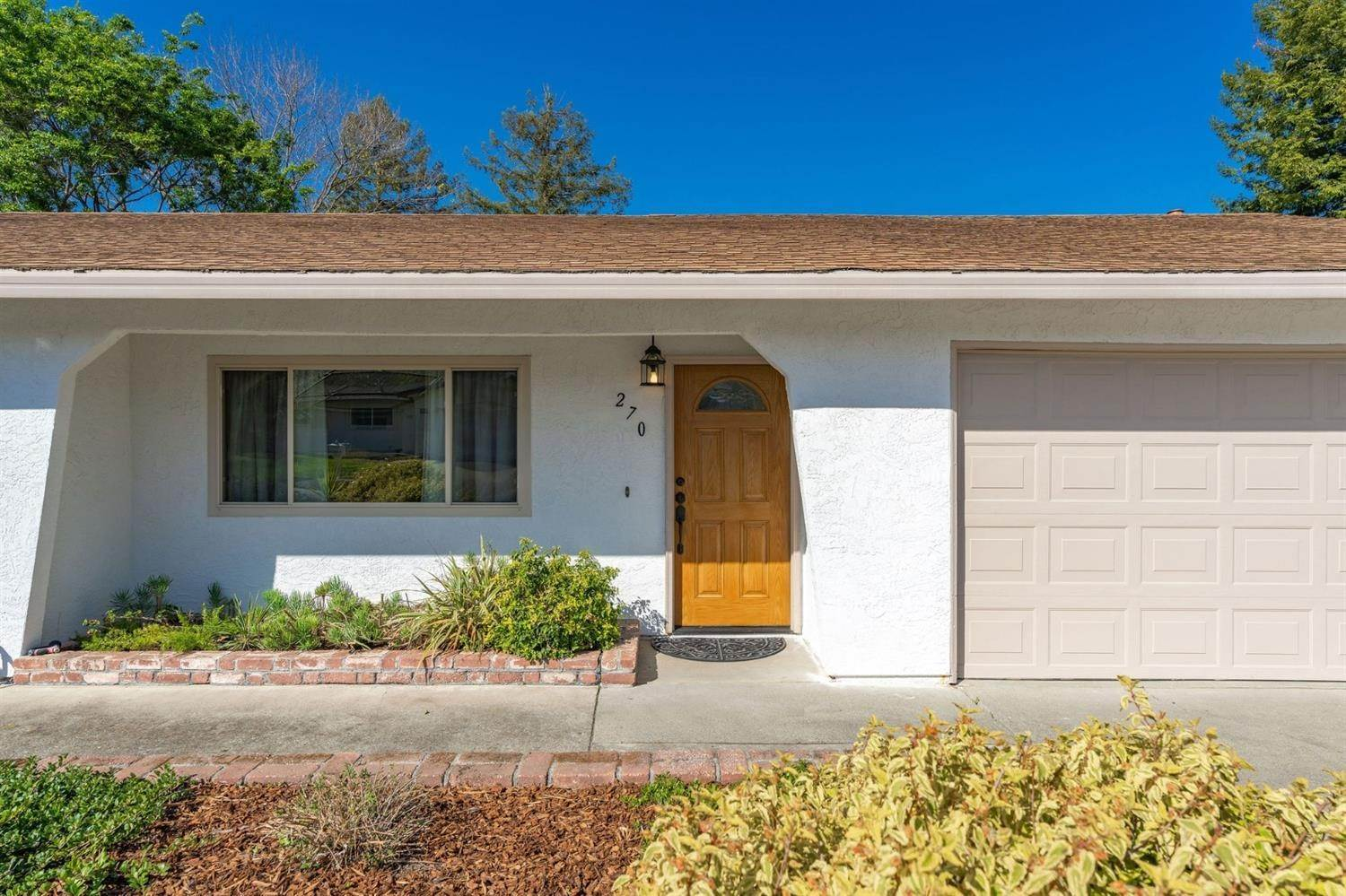4. Single Family Homes for Active at 270 Lisawood Drive Folsom, California 95630 United States