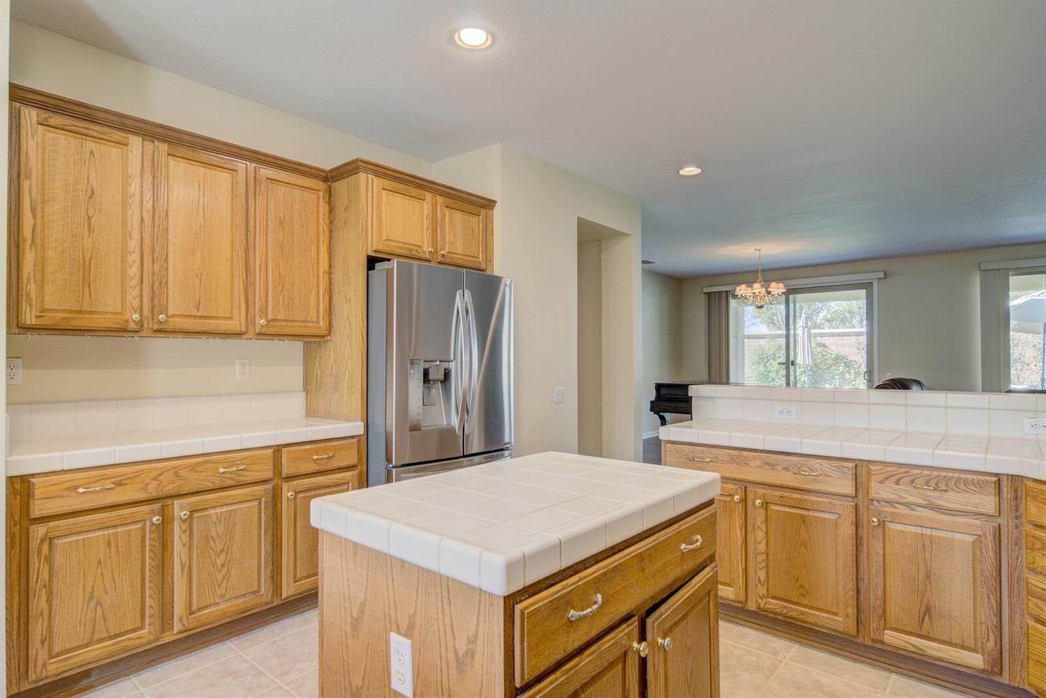 9. Single Family Homes for Active at 998 Gold Nugget Circle Lincoln, California 95648 United States