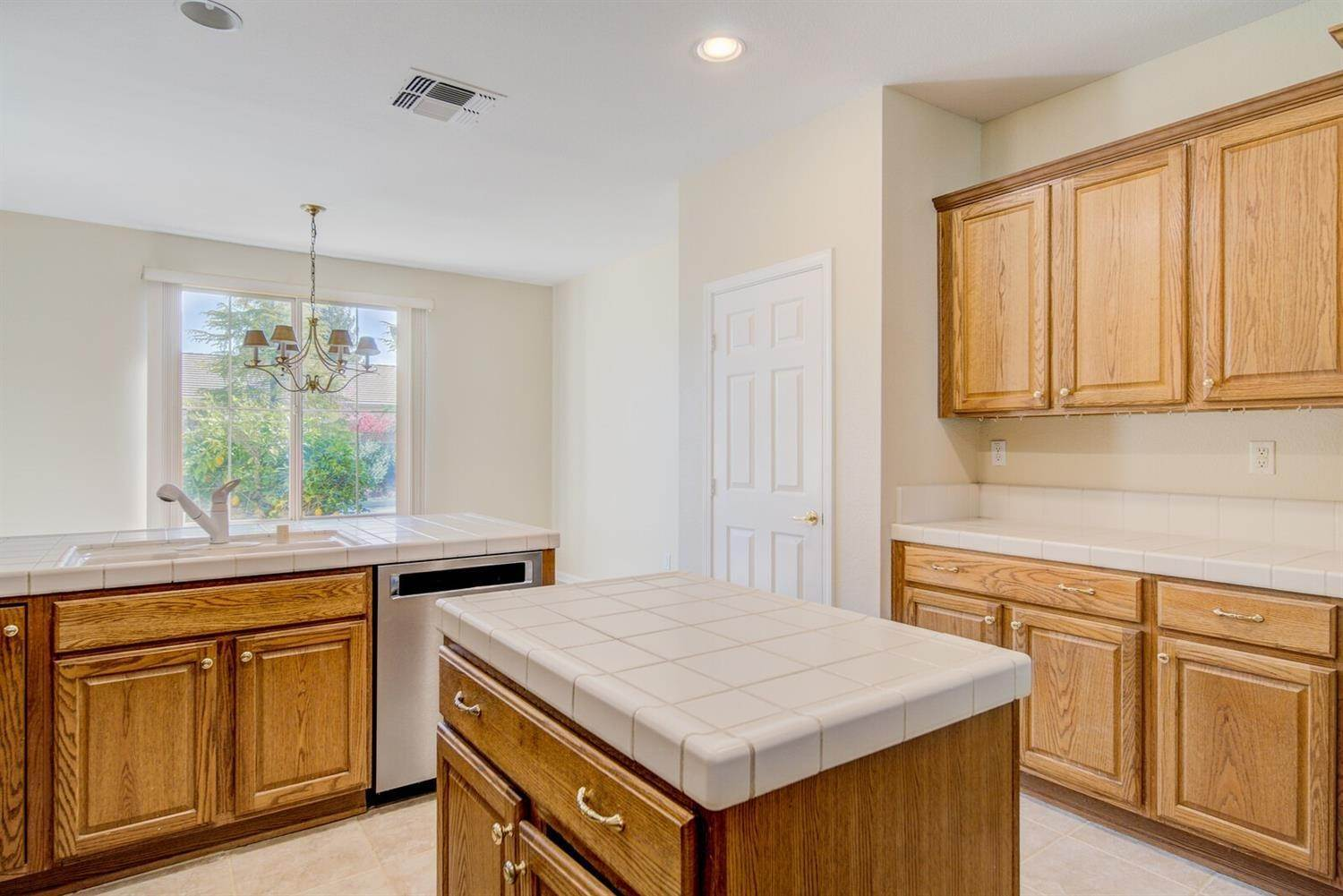10. Single Family Homes for Active at 998 Gold Nugget Circle Lincoln, California 95648 United States