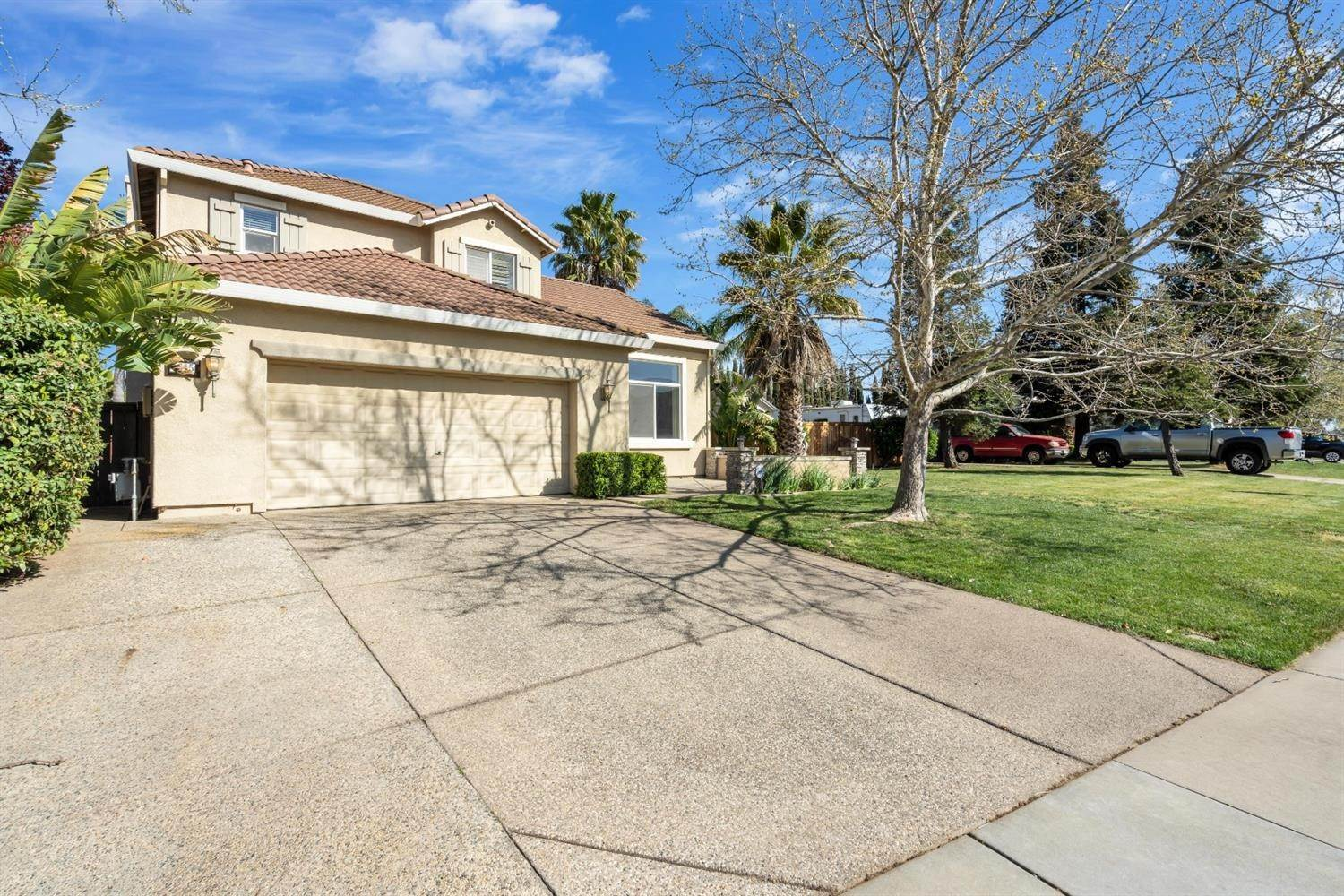 4. Single Family Homes for Active at 9645 Mckenna Drive Elk Grove, California 95757 United States