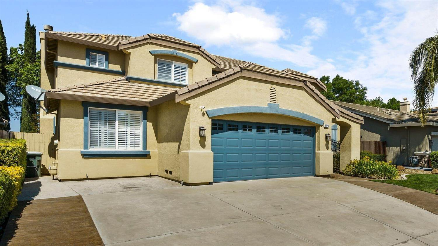 5. Single Family Homes for Active at 2229 Yellowstone Avenue Tracy, California 95377 United States