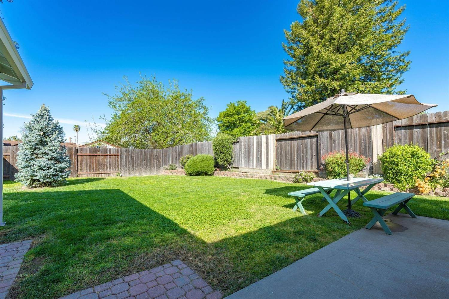 9. Single Family Homes for Active at 270 Lisawood Drive Folsom, California 95630 United States