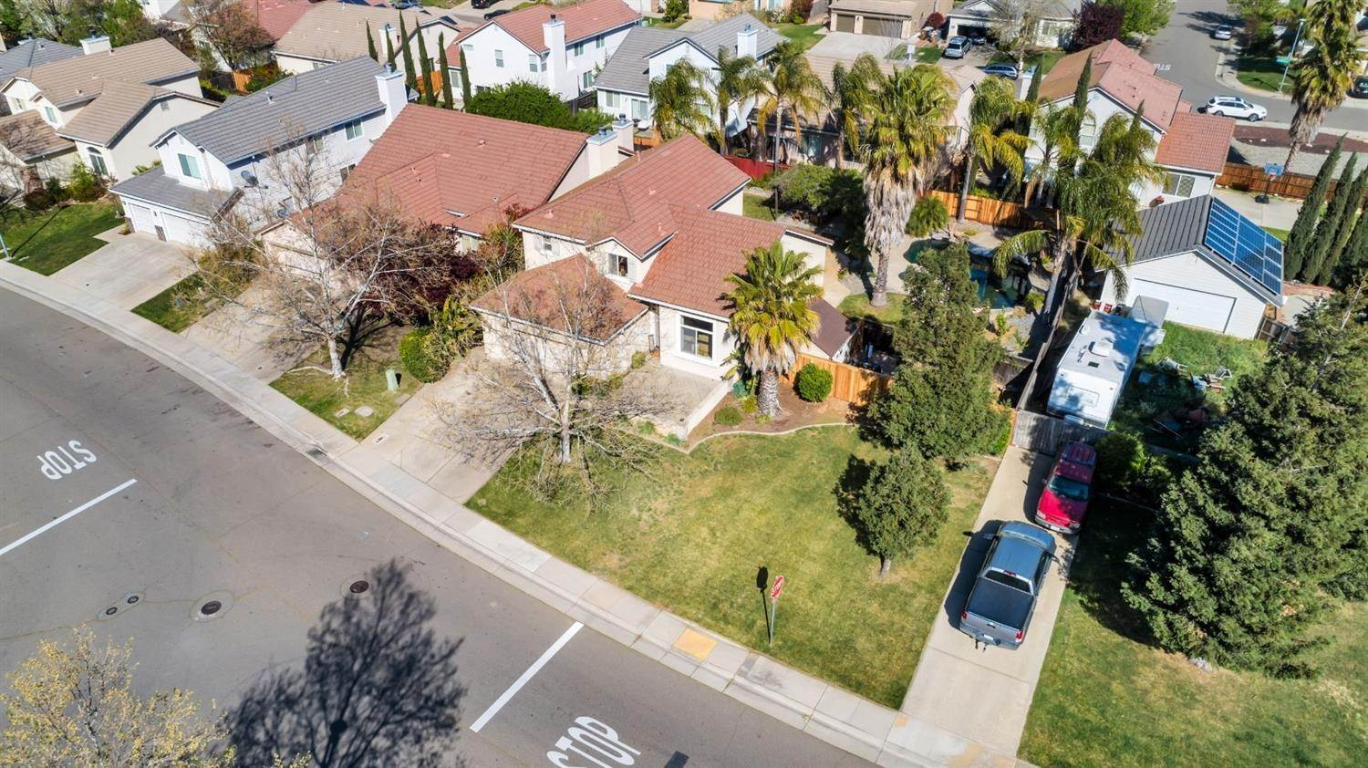 49. Single Family Homes for Active at 9645 Mckenna Drive Elk Grove, California 95757 United States