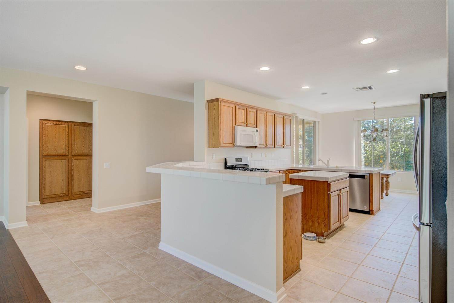 8. Single Family Homes for Active at 998 Gold Nugget Circle Lincoln, California 95648 United States