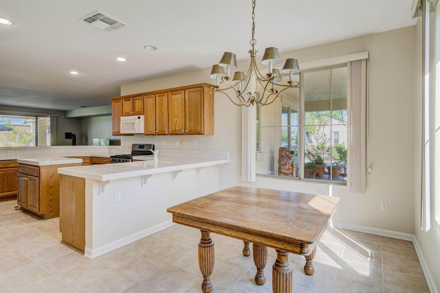 12. Single Family Homes for Active at 998 Gold Nugget Circle Lincoln, California 95648 United States