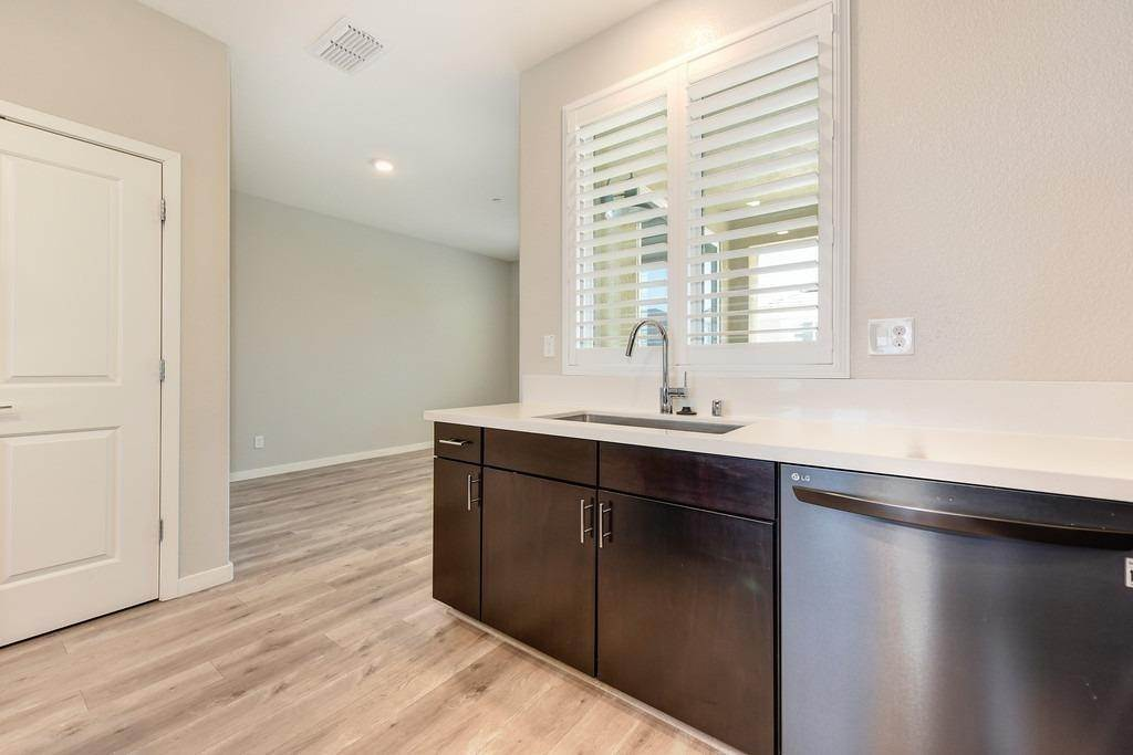 12. Single Family Homes for Active at 3720 E Commerce Way Sacramento, California 95834 United States