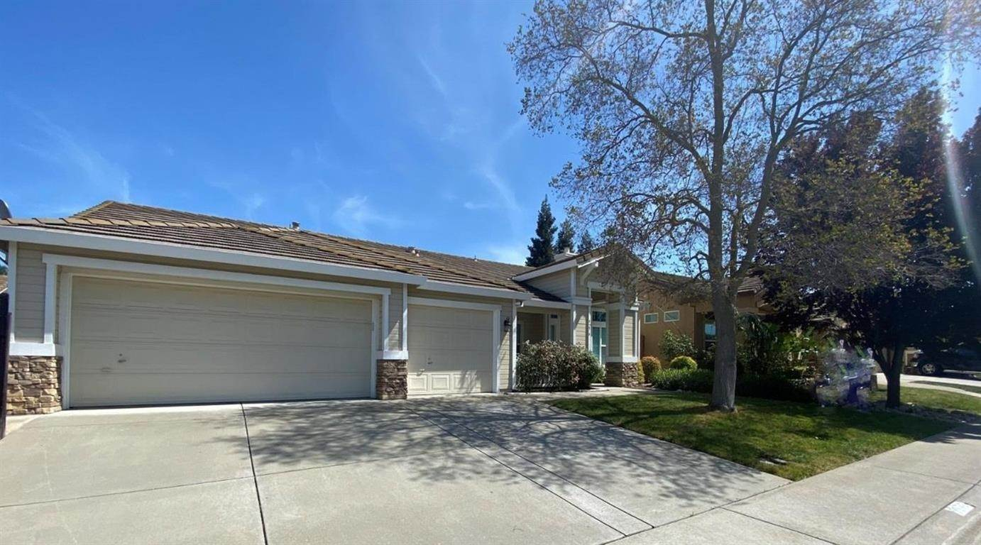 3. Single Family Homes for Active at 9276 Balboa Park Way Elk Grove, California 95624 United States