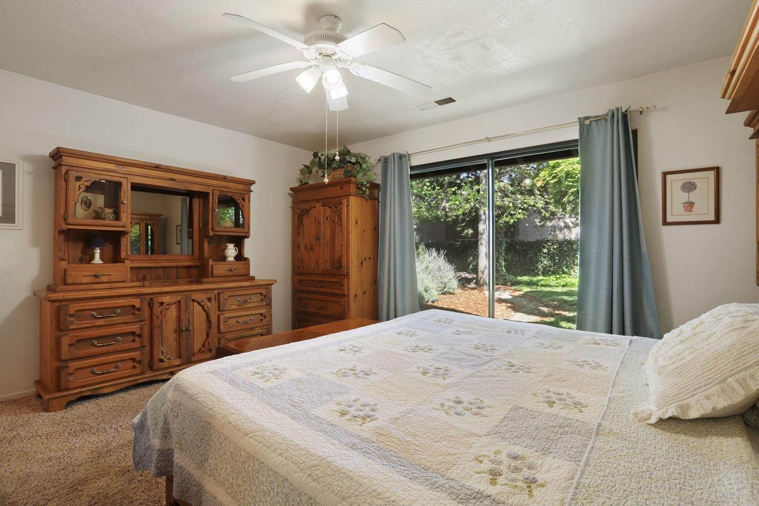 23. Single Family Homes for Active at 3628 Wood Duck Circle Stockton, California 95207 United States