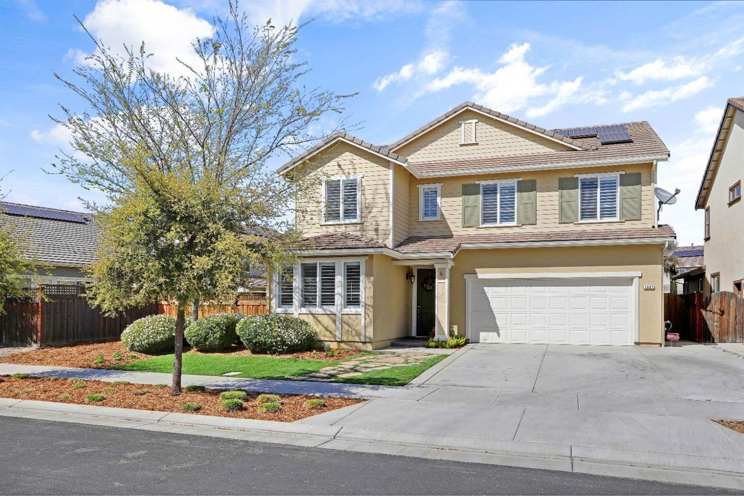 Single Family Homes for Active at 1087 Mariners Drive Lathrop, California 95330 United States