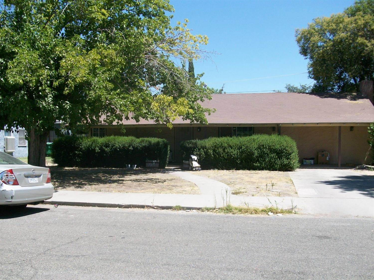 Single Family Homes por un Venta en 727 josephine Corcoran, California 93212 Estados Unidos