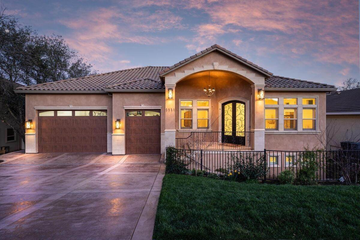 Single Family Homes por un Venta en 5351 Hidden Glen Drive Rocklin, California 95677 Estados Unidos