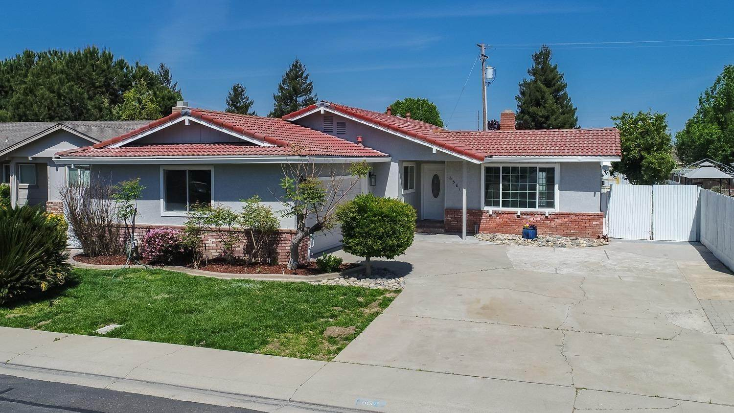 Single Family Homes for Active at 6601 Narcisco Way Hughson, California 95326 United States