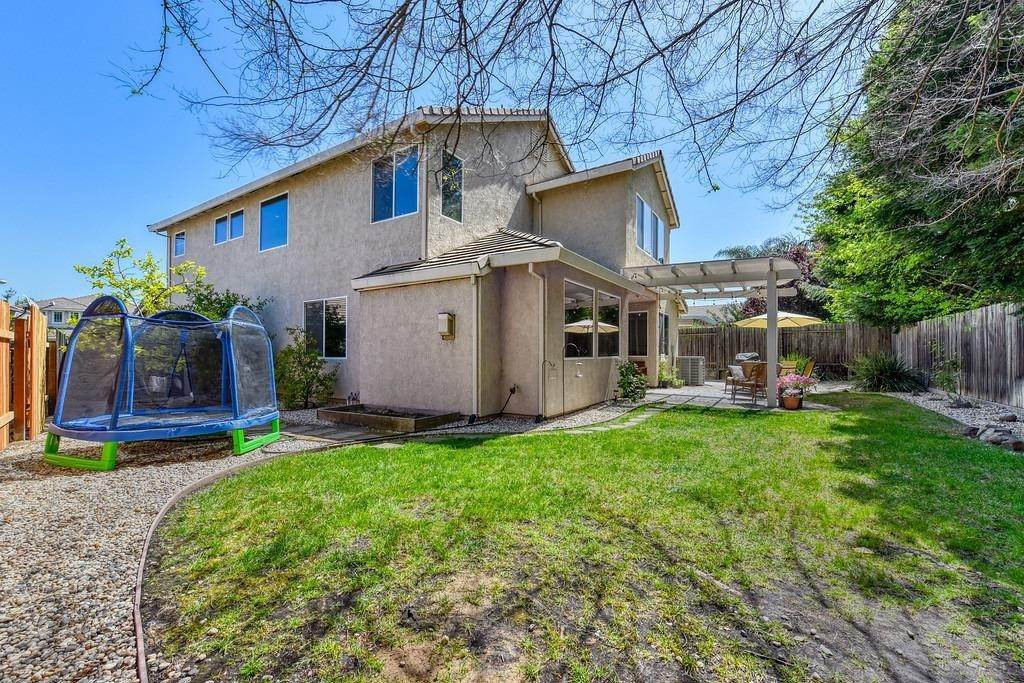 36. Single Family Homes for Active at 19 Shelby Ranch Court Roseville, California 95678 United States