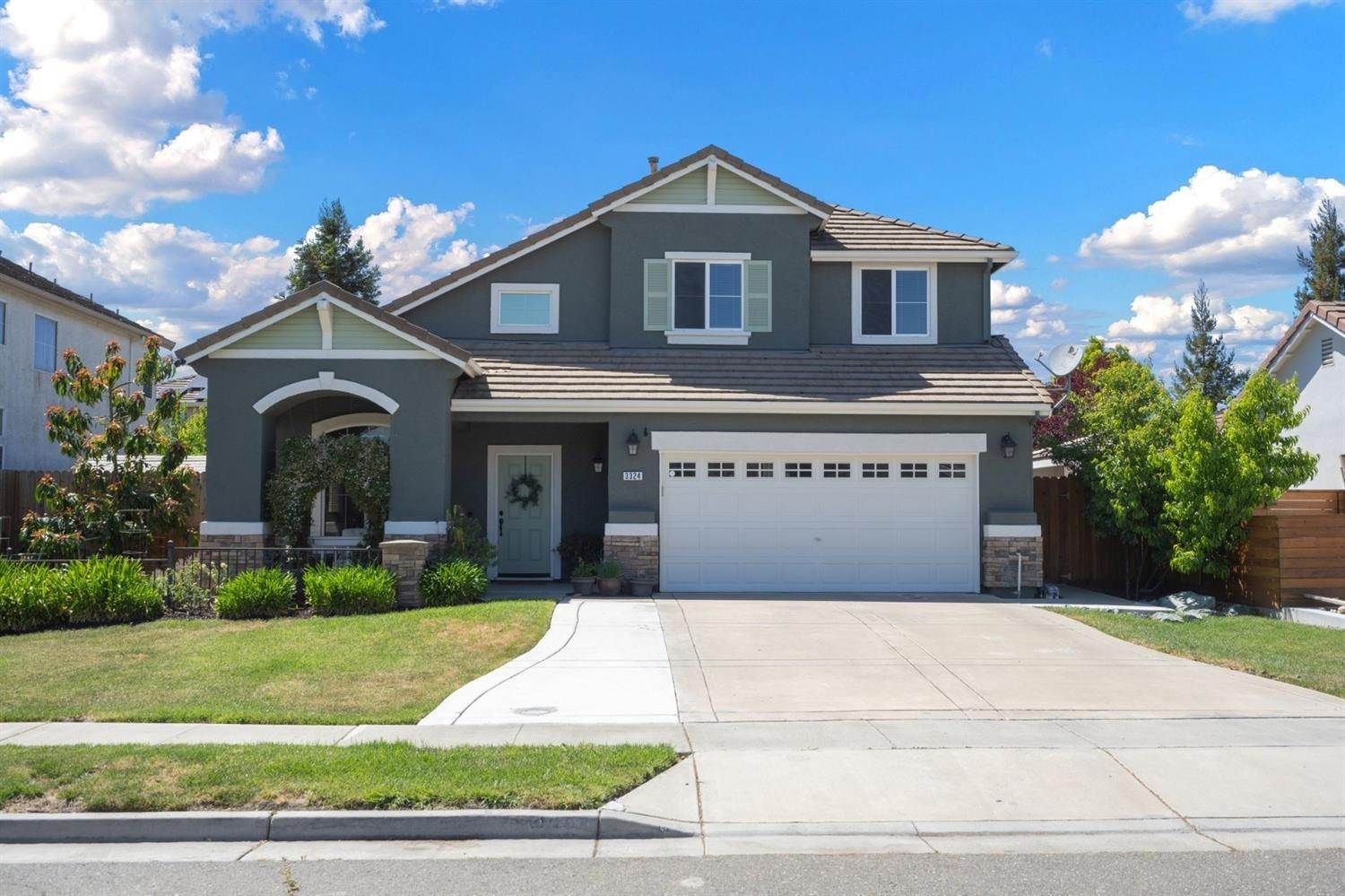 2. Single Family Homes for Active at 3324 San Salvador Street West Sacramento, California 95691 United States