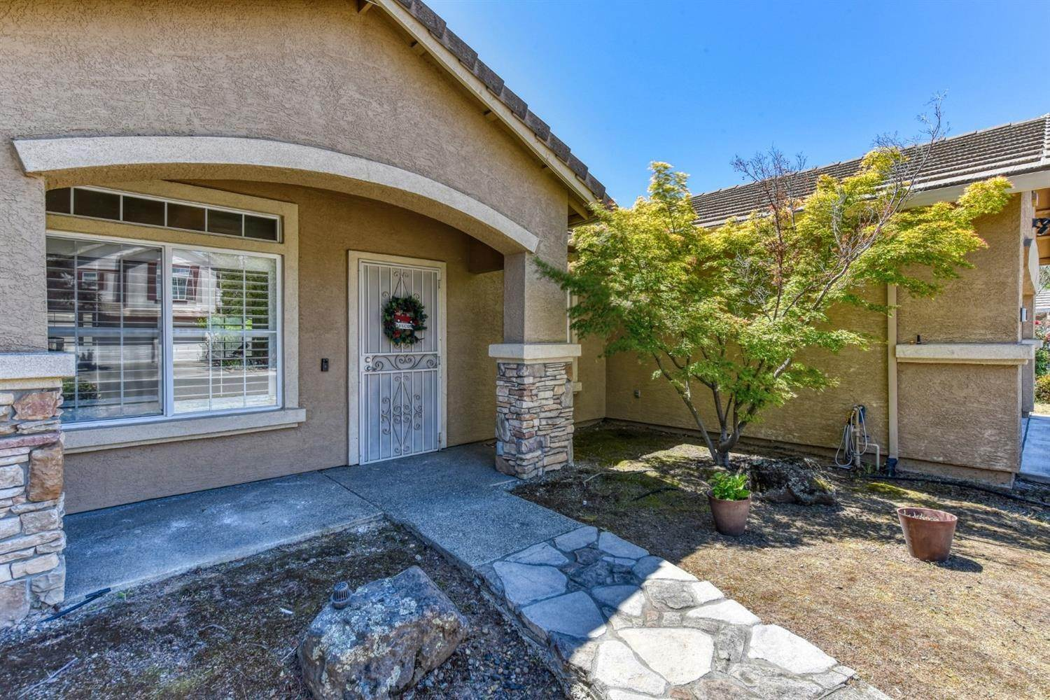 4. Single Family Homes for Active at 8612 Golden Sage Drive Elk Grove, California 95624 United States