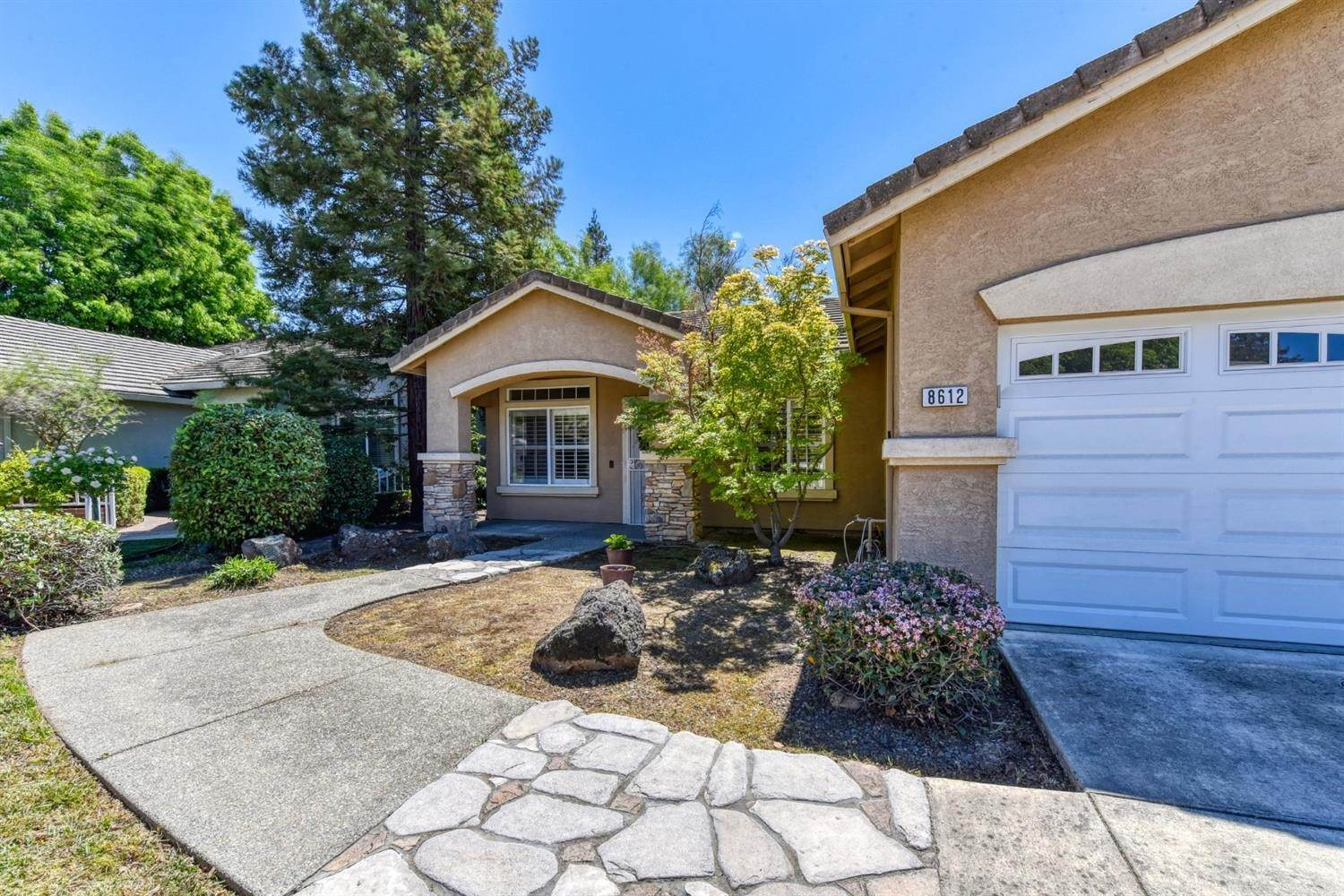 2. Single Family Homes for Active at 8612 Golden Sage Drive Elk Grove, California 95624 United States