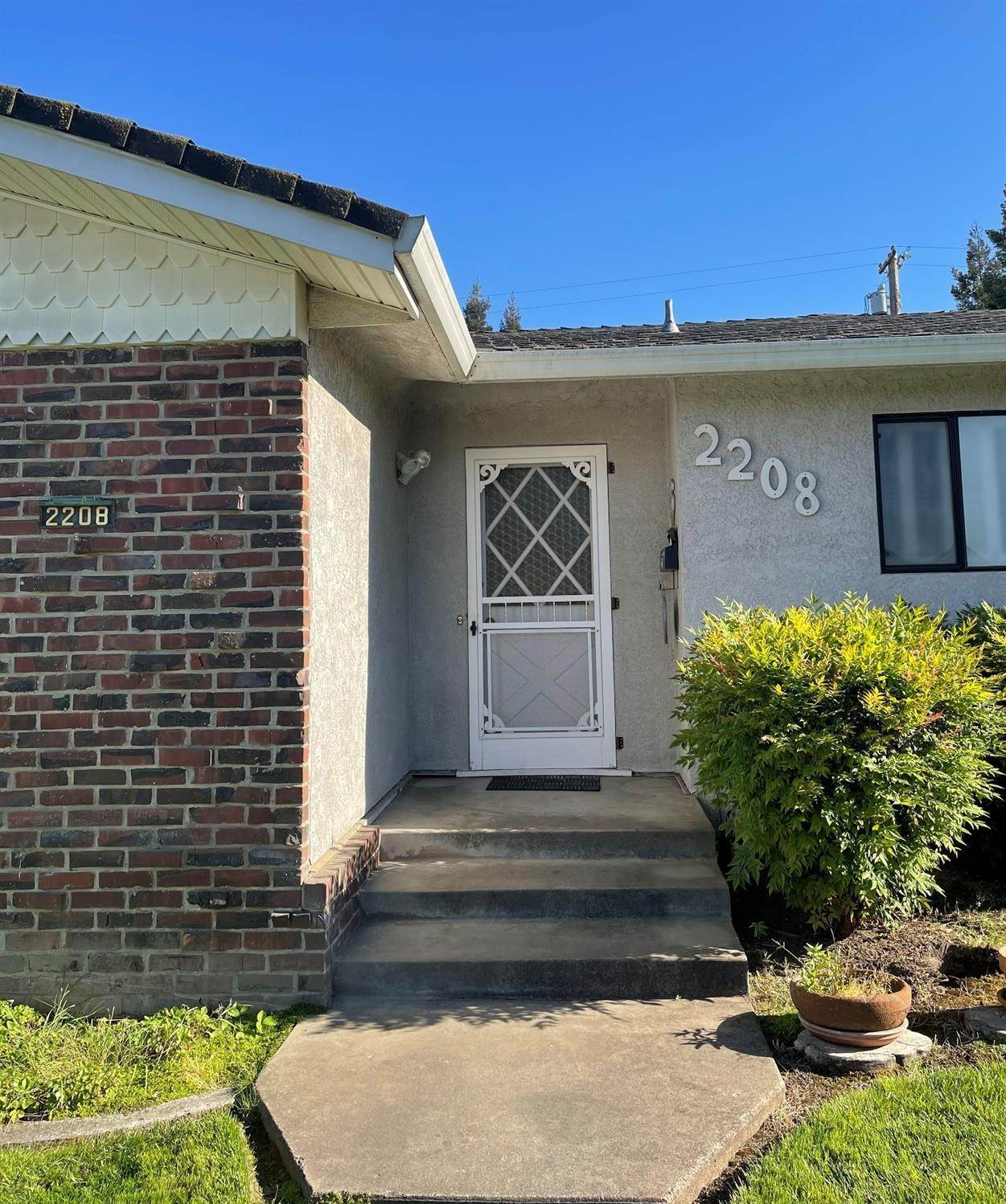 Single Family Homes for Active at 2208 JACKSON Street Lodi, California 95242 United States