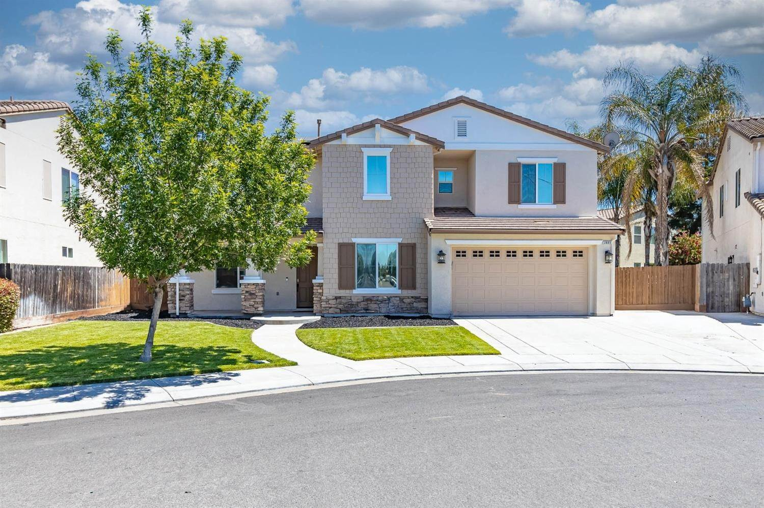 4. Single Family Homes for Active at 2600 Cancun Drive Modesto, California 95355 United States