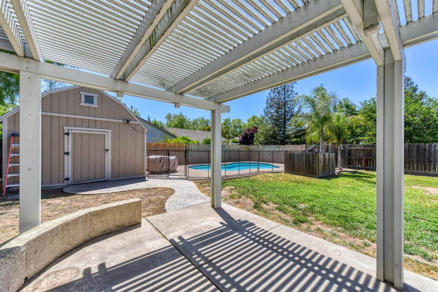 40. Single Family Homes for Active at 8612 Golden Sage Drive Elk Grove, California 95624 United States