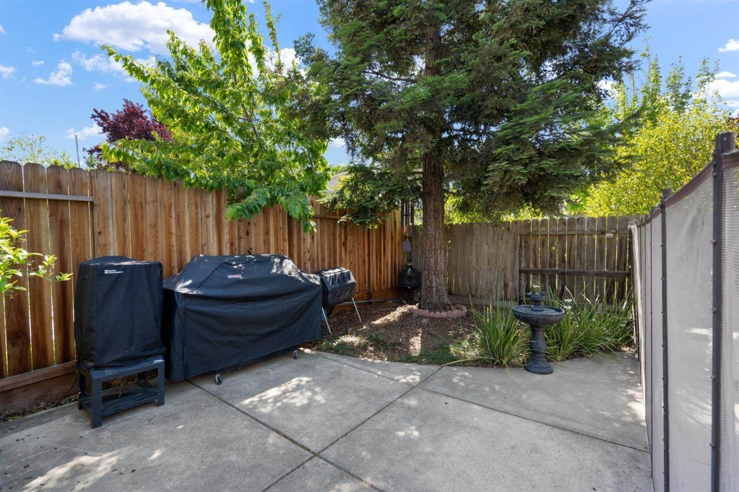 29. Single Family Homes for Active at 3324 San Salvador Street West Sacramento, California 95691 United States