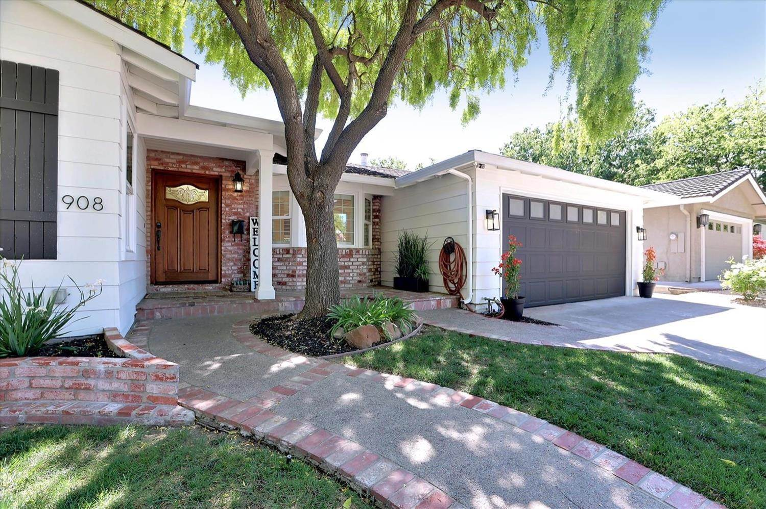 2. Single Family Homes for Active at 908 Lanewood Drive San Jose, California 95125 United States