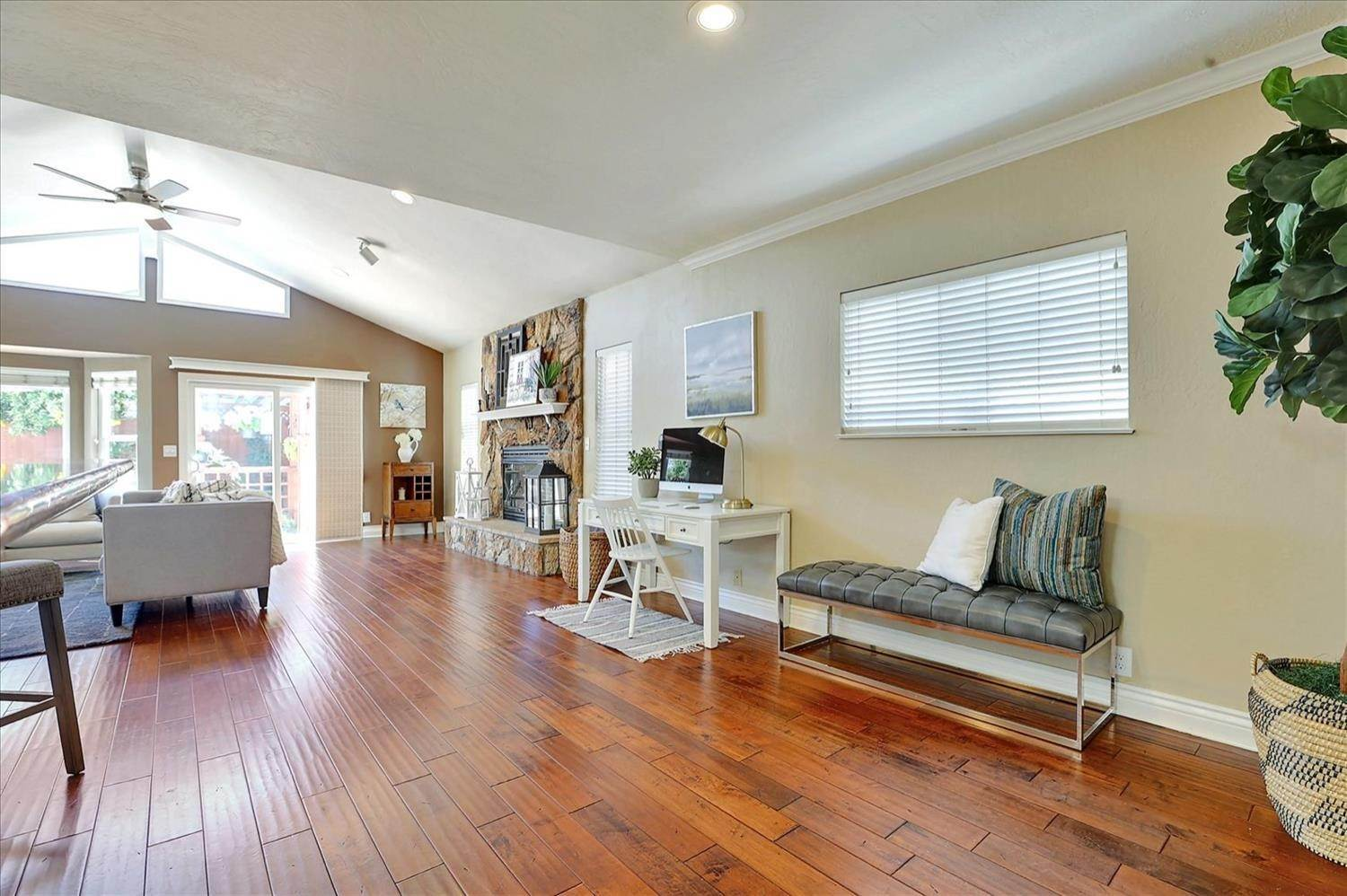 9. Single Family Homes for Active at 908 Lanewood Drive San Jose, California 95125 United States