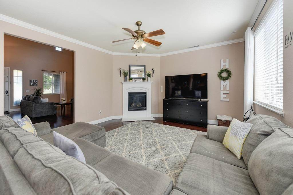 10. Single Family Homes for Active at 1333 Regent Circle Lincoln, California 95648 United States