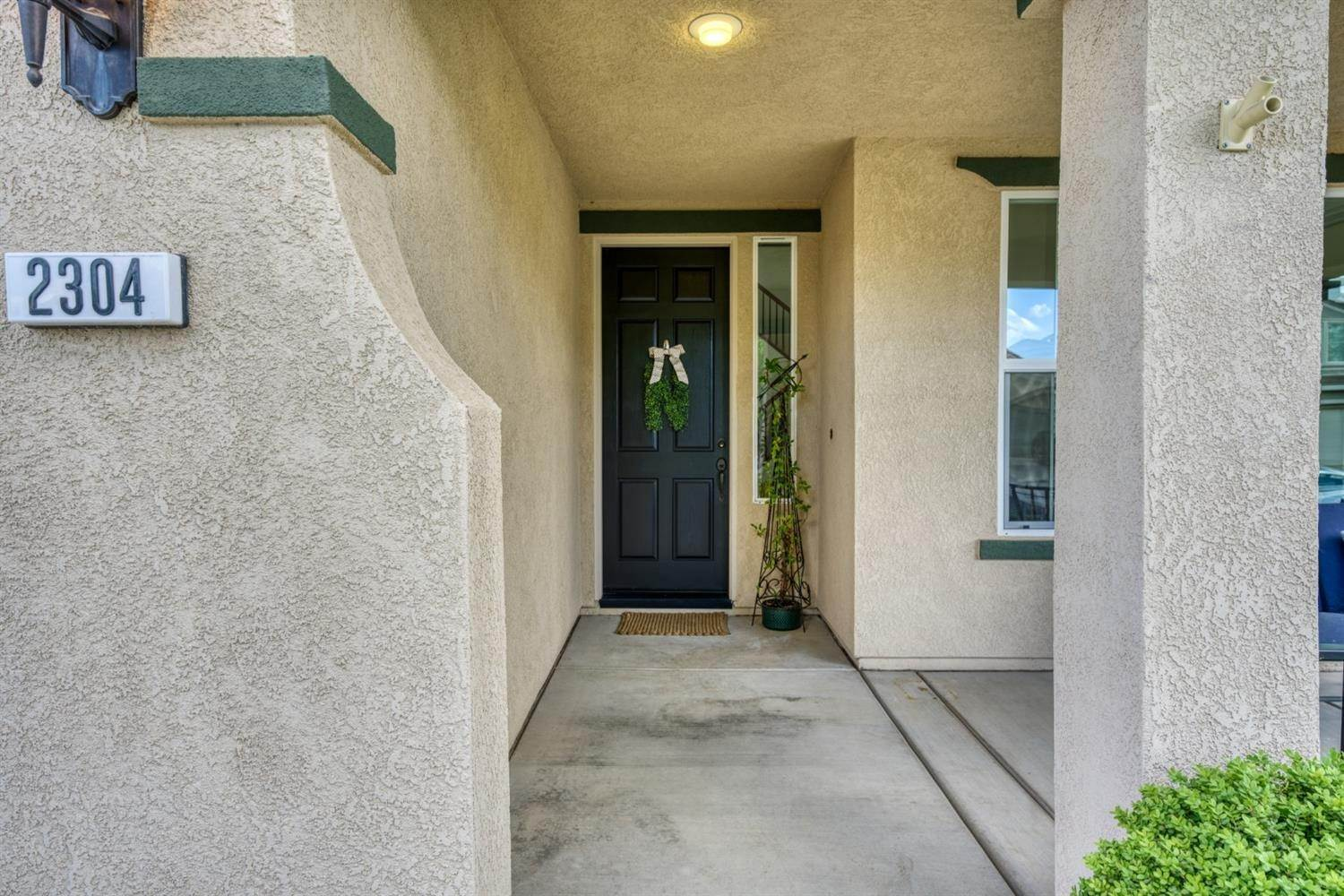 5. Single Family Homes for Active at 2304 Clearbrook Circle Roseville, California 95747 United States