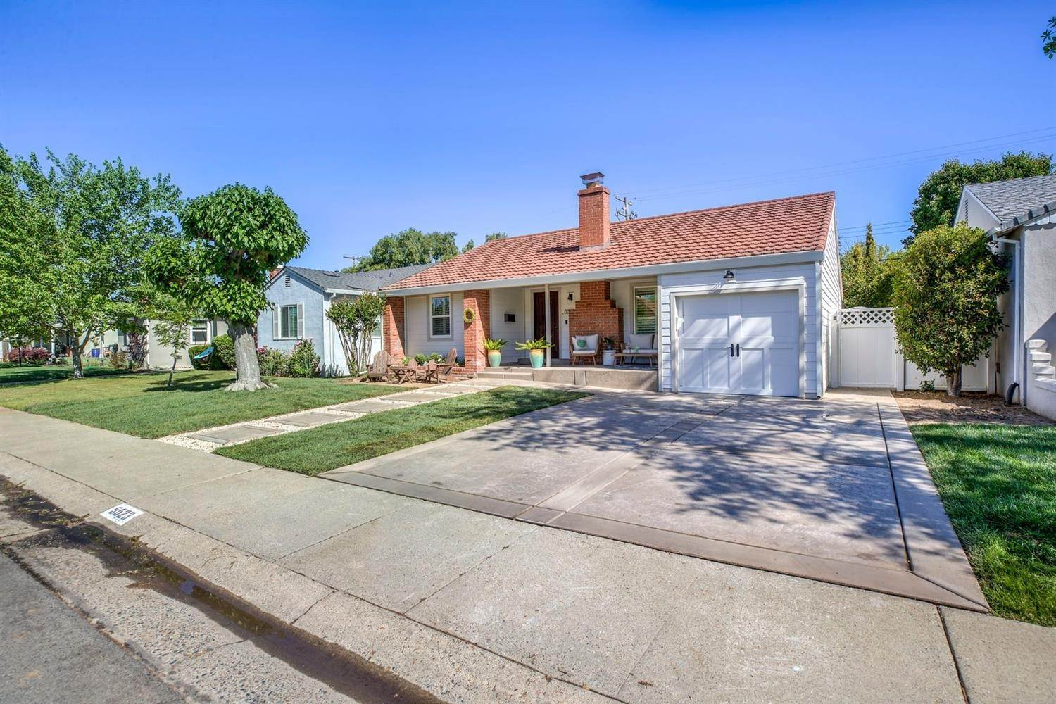 2. Single Family Homes for Active at 5523 C Street Sacramento, California 95819 United States