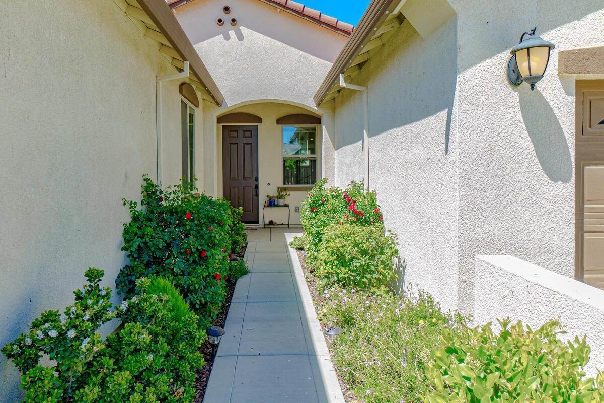 3. Single Family Homes for Active at 1620 Goode Place Woodland, California 95776 United States