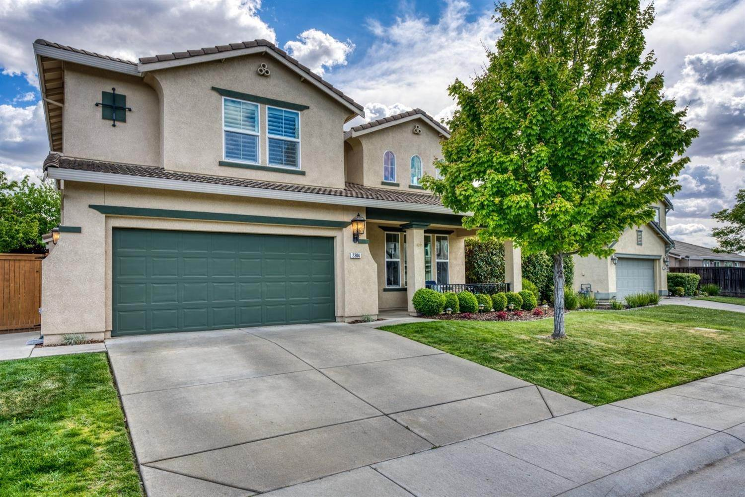 2. Single Family Homes for Active at 2304 Clearbrook Circle Roseville, California 95747 United States