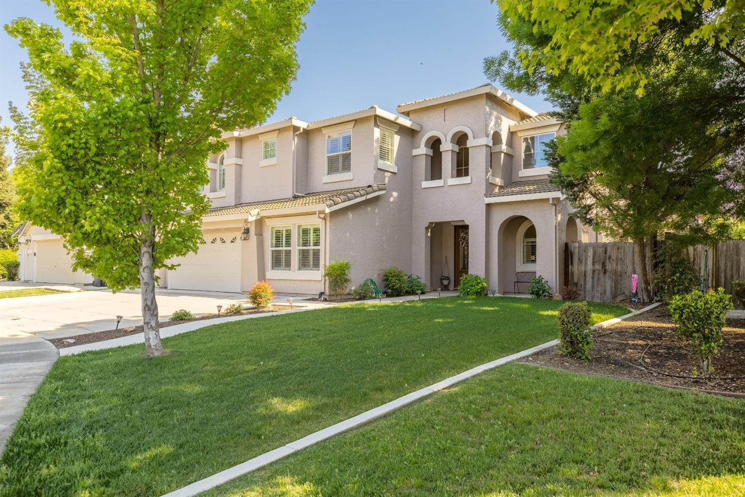 2. Single Family Homes for Active at 3412 Lovatti Court Modesto, California 95355 United States