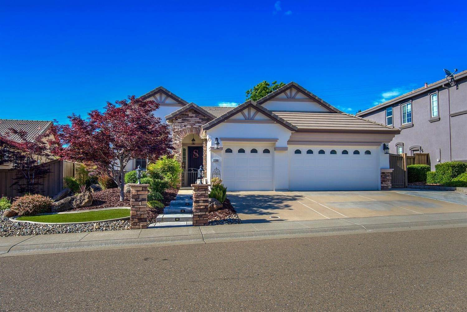 Single Family Homes for Active at 2200 Appaloosa Drive Folsom, California 95630 United States