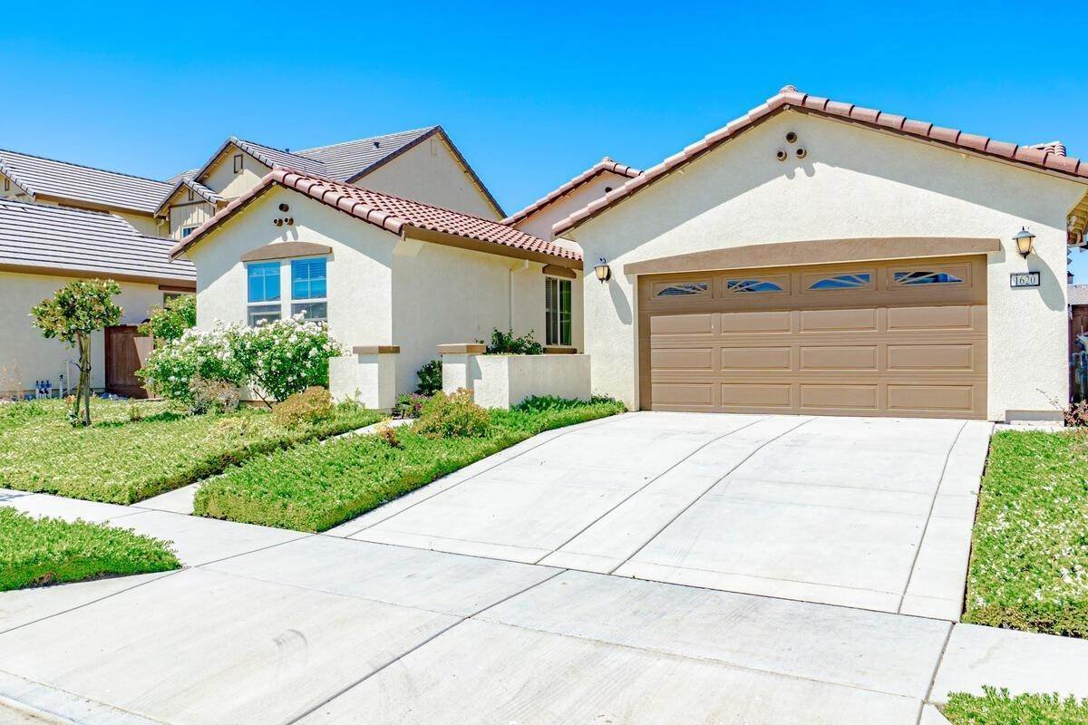 Single Family Homes for Active at 1620 Goode Place Woodland, California 95776 United States