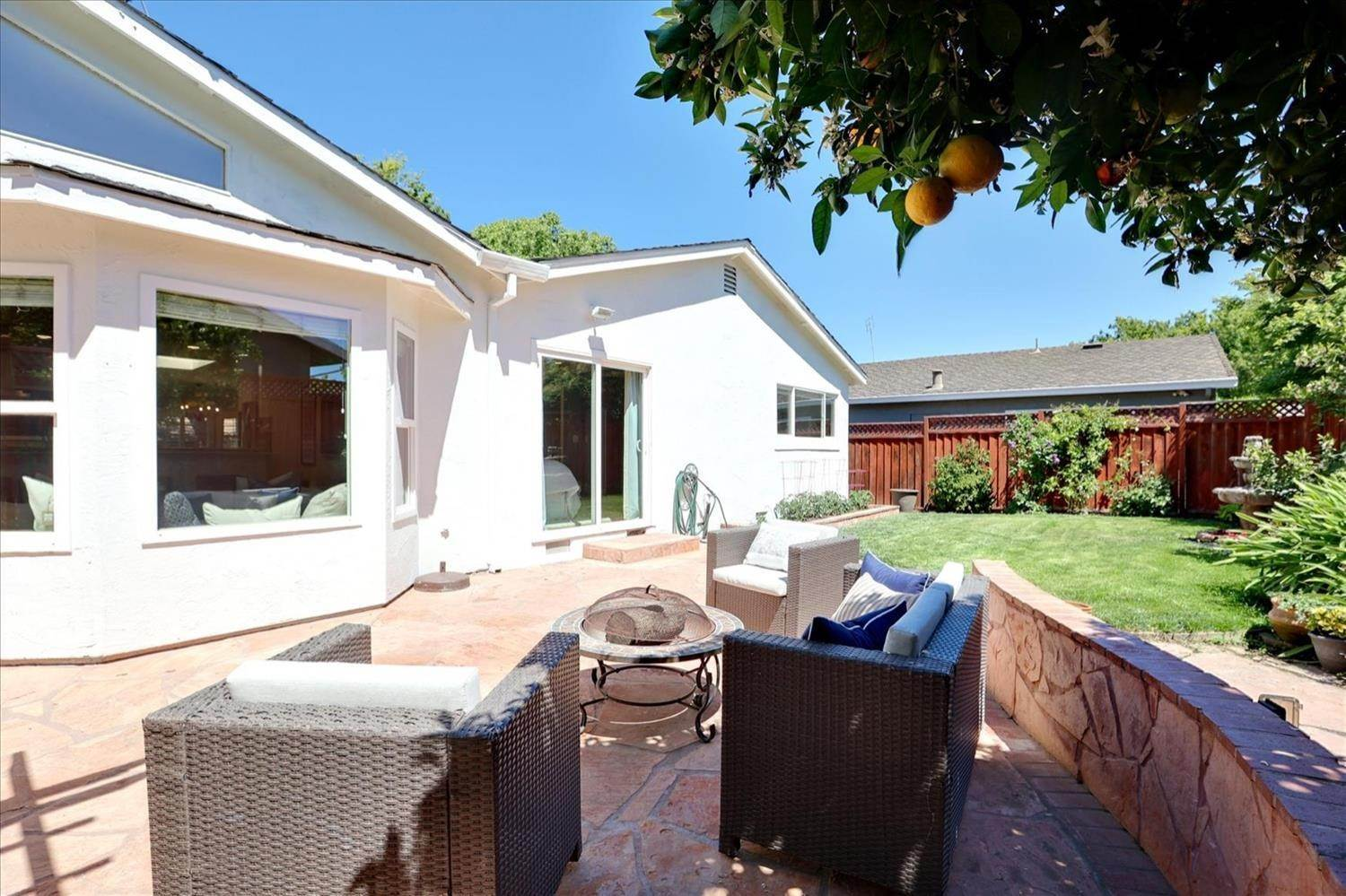 39. Single Family Homes for Active at 908 Lanewood Drive San Jose, California 95125 United States