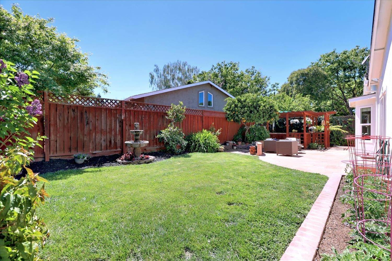 43. Single Family Homes for Active at 908 Lanewood Drive San Jose, California 95125 United States