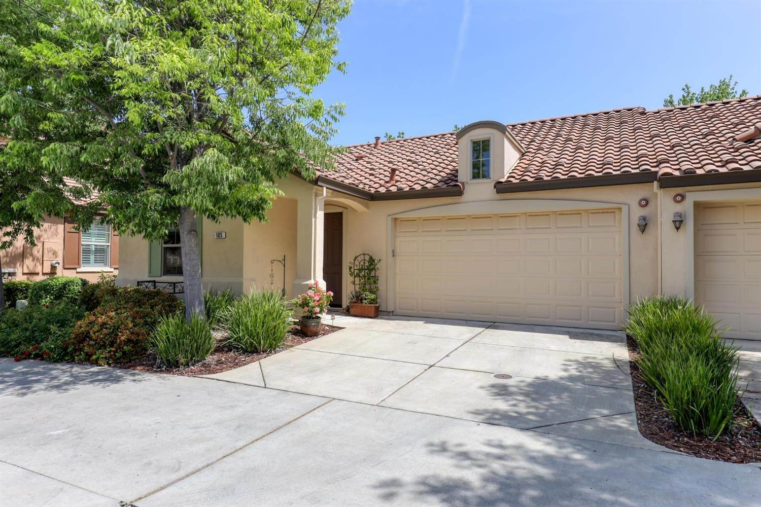 31. Single Family Homes for Active at 1025 Venice Lane Roseville, California 95747 United States