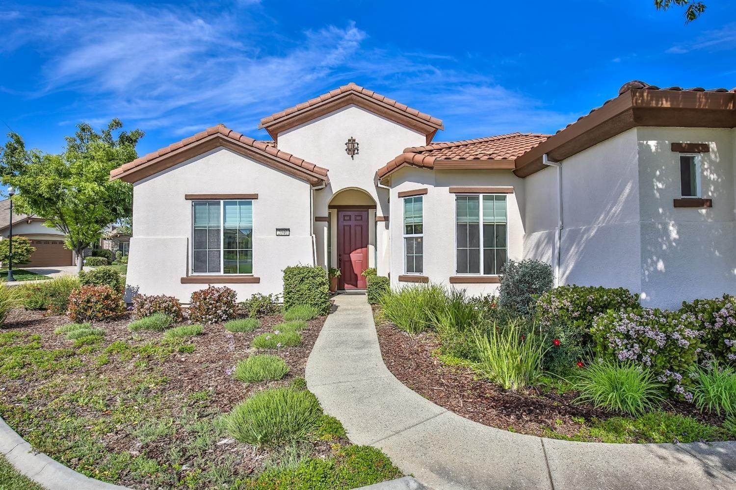 6. Single Family Homes for Active at 2040 Fluxton Drive Roseville, California 95747 United States