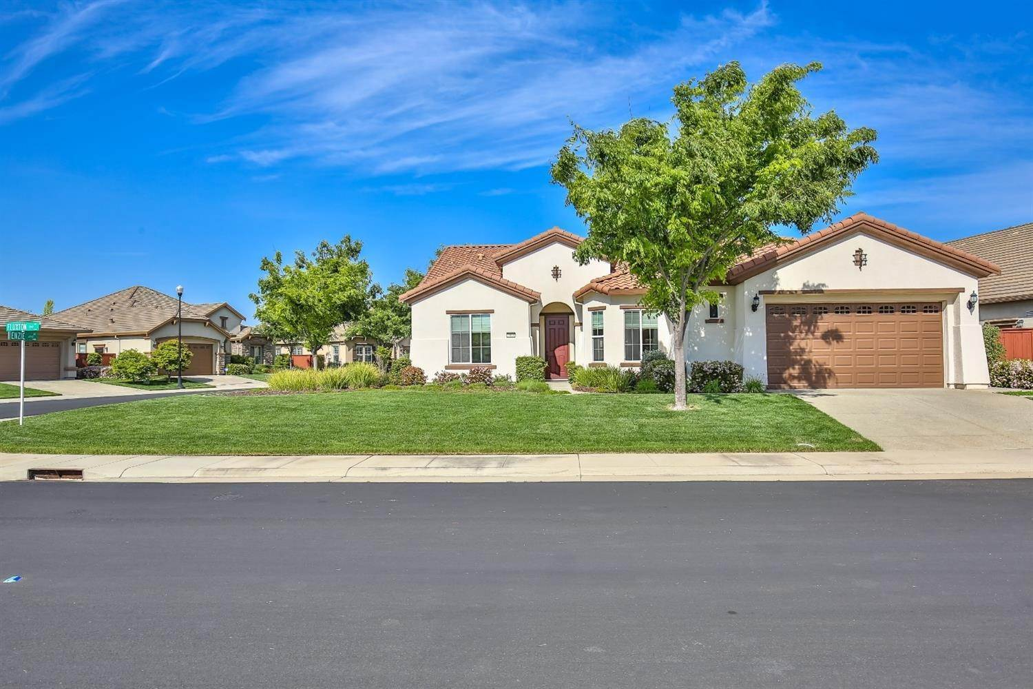 Single Family Homes for Active at 2040 Fluxton Drive Roseville, California 95747 United States