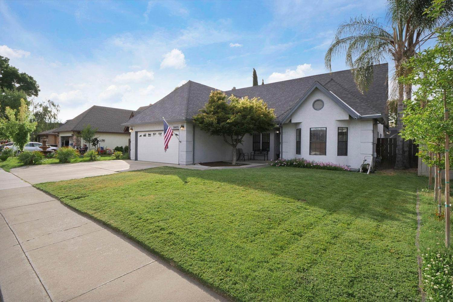 5. Single Family Homes for Active at 3925 Felton Way Modesto, California 95356 United States