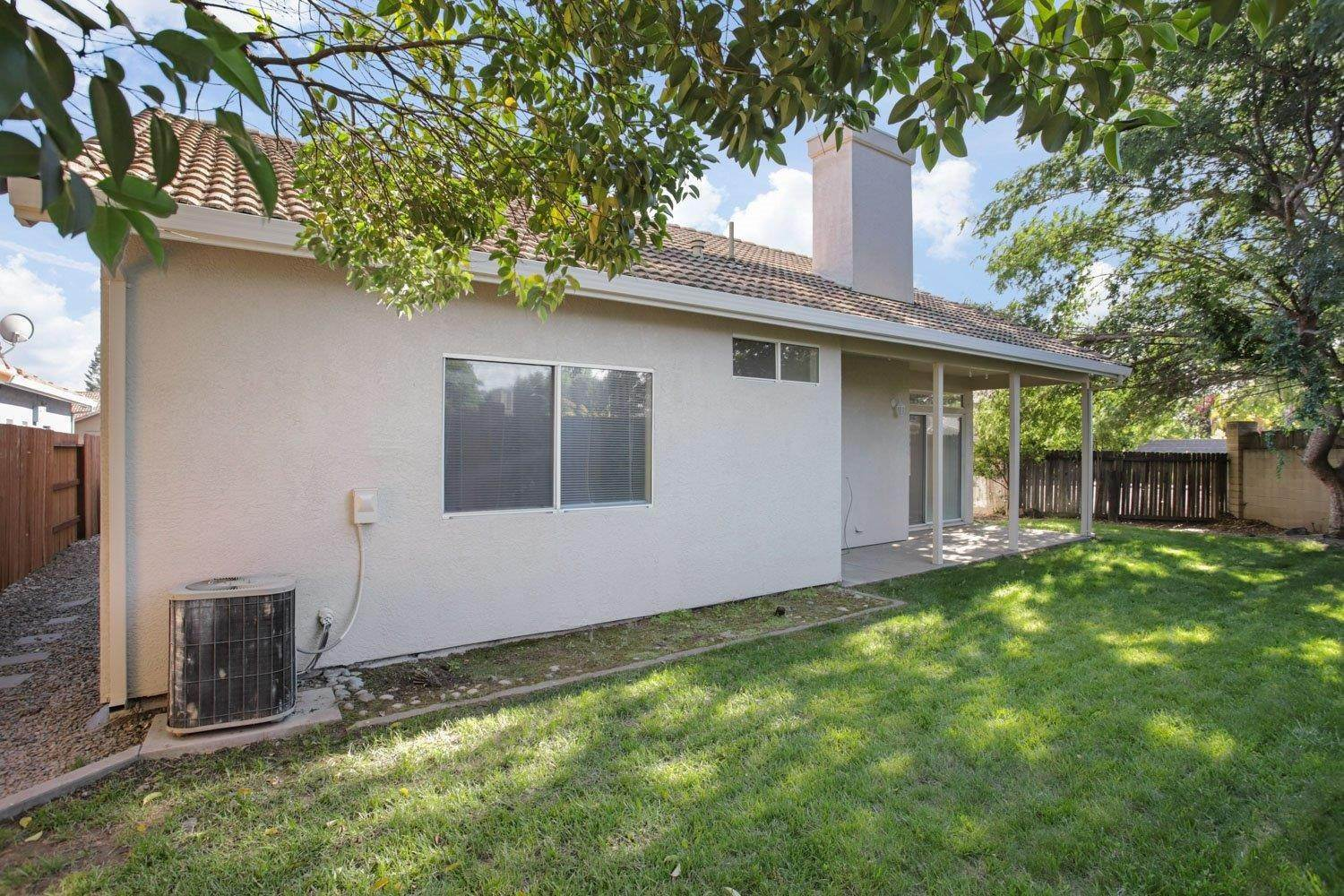 32. Single Family Homes for Active at 1981 Yorktown Drive Lodi, California 95242 United States