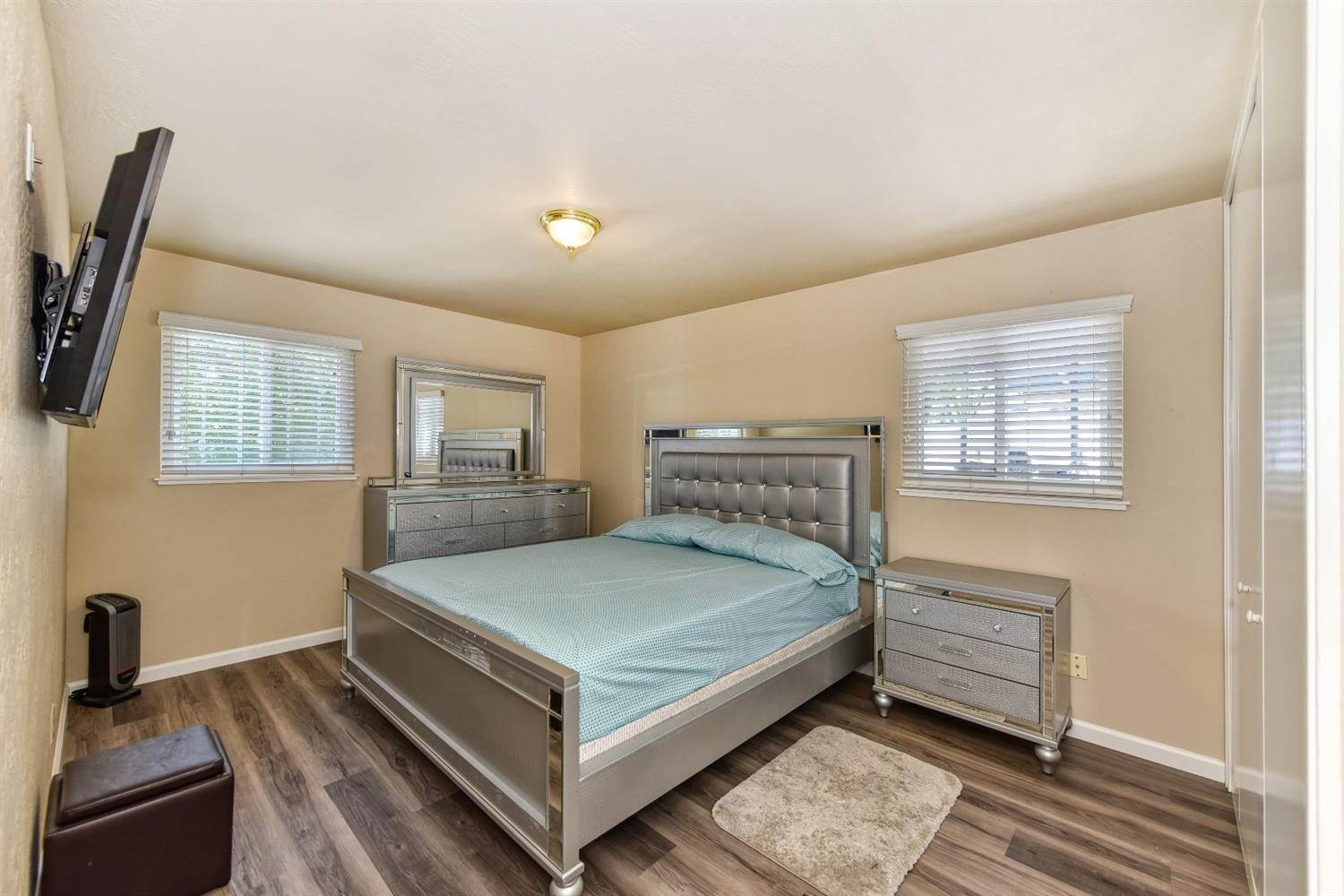 30. Single Family Homes for Active at 3540 65th Street Sacramento, California 95820 United States