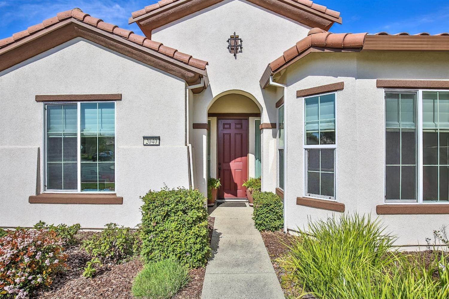 7. Single Family Homes for Active at 2040 Fluxton Drive Roseville, California 95747 United States