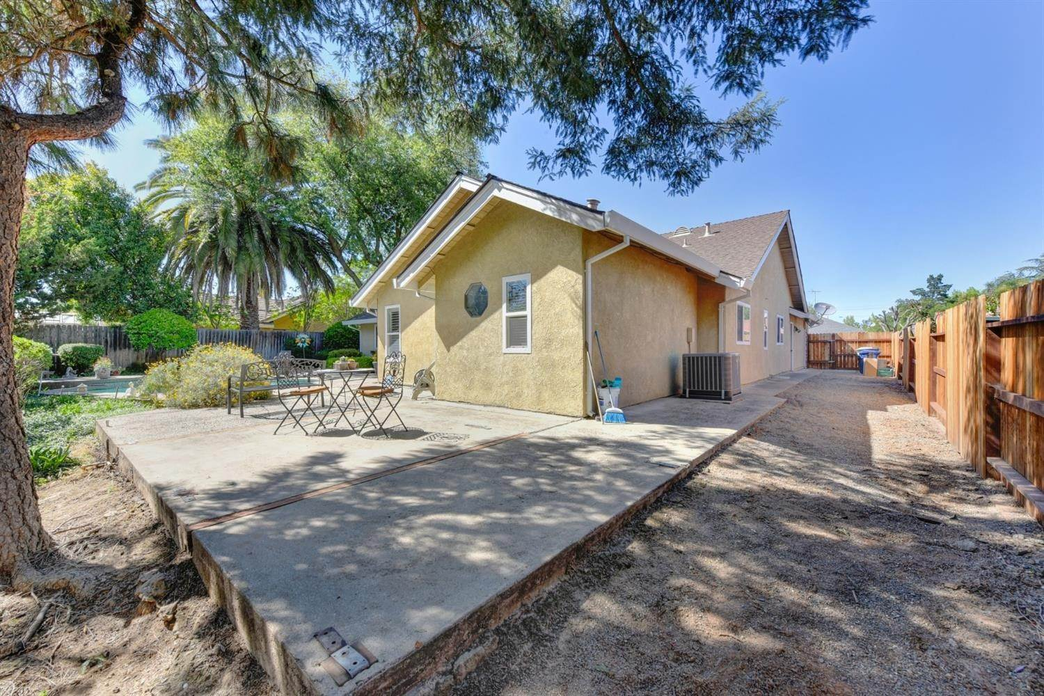 40. Single Family Homes for Active at 5324 Lequel Way Carmichael, California 95608 United States