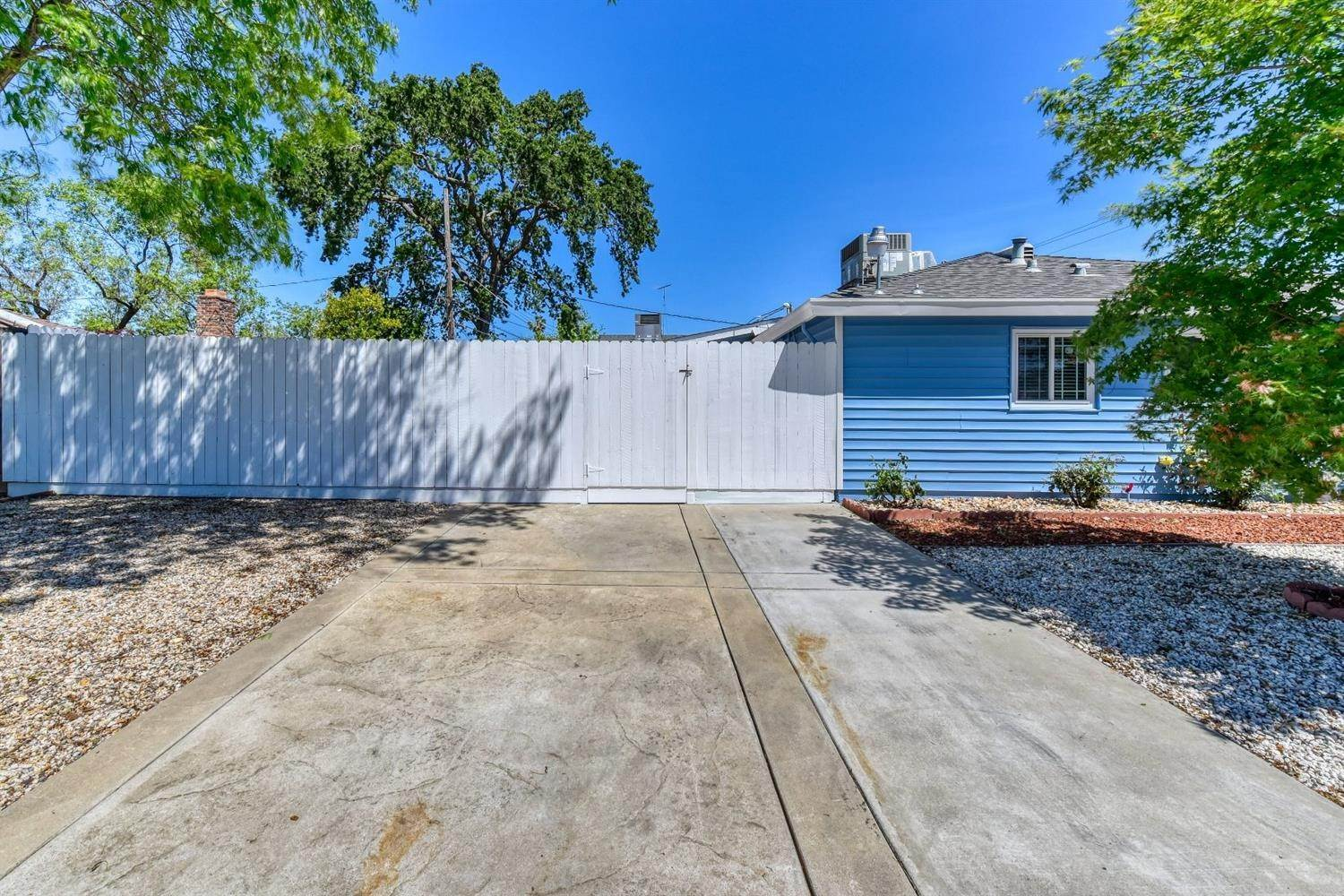 7. Single Family Homes for Active at 3540 65th Street Sacramento, California 95820 United States
