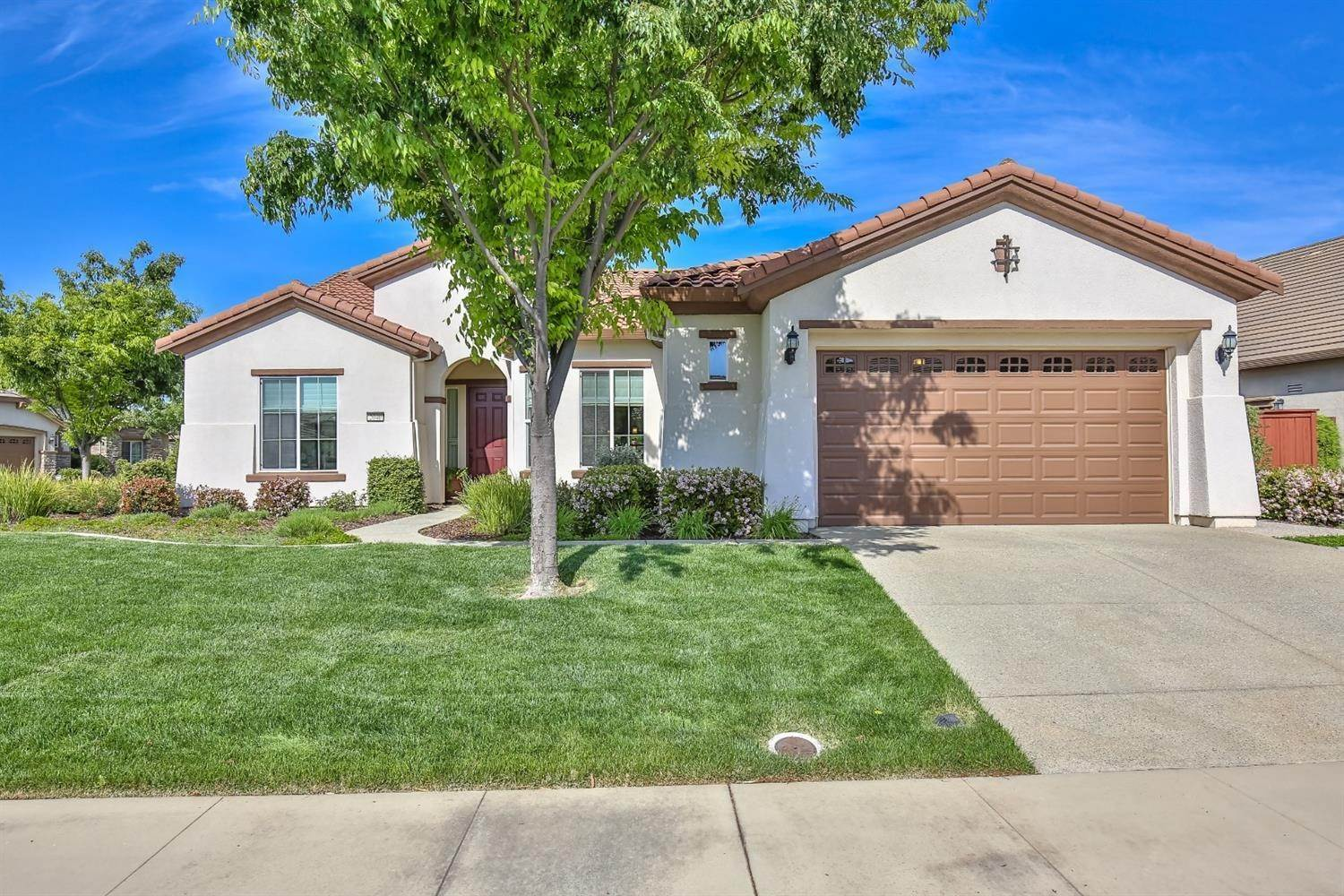 2. Single Family Homes for Active at 2040 Fluxton Drive Roseville, California 95747 United States