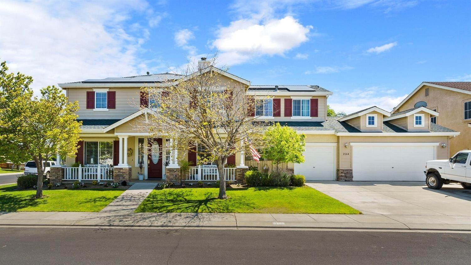 Single Family Homes for Active at 2164 Ivory Lace Avenue Manteca, California 95337 United States
