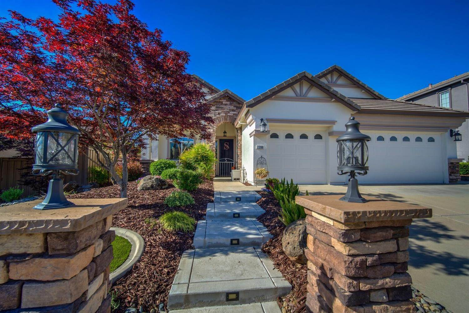 5. Single Family Homes for Active at 2200 Appaloosa Drive Folsom, California 95630 United States