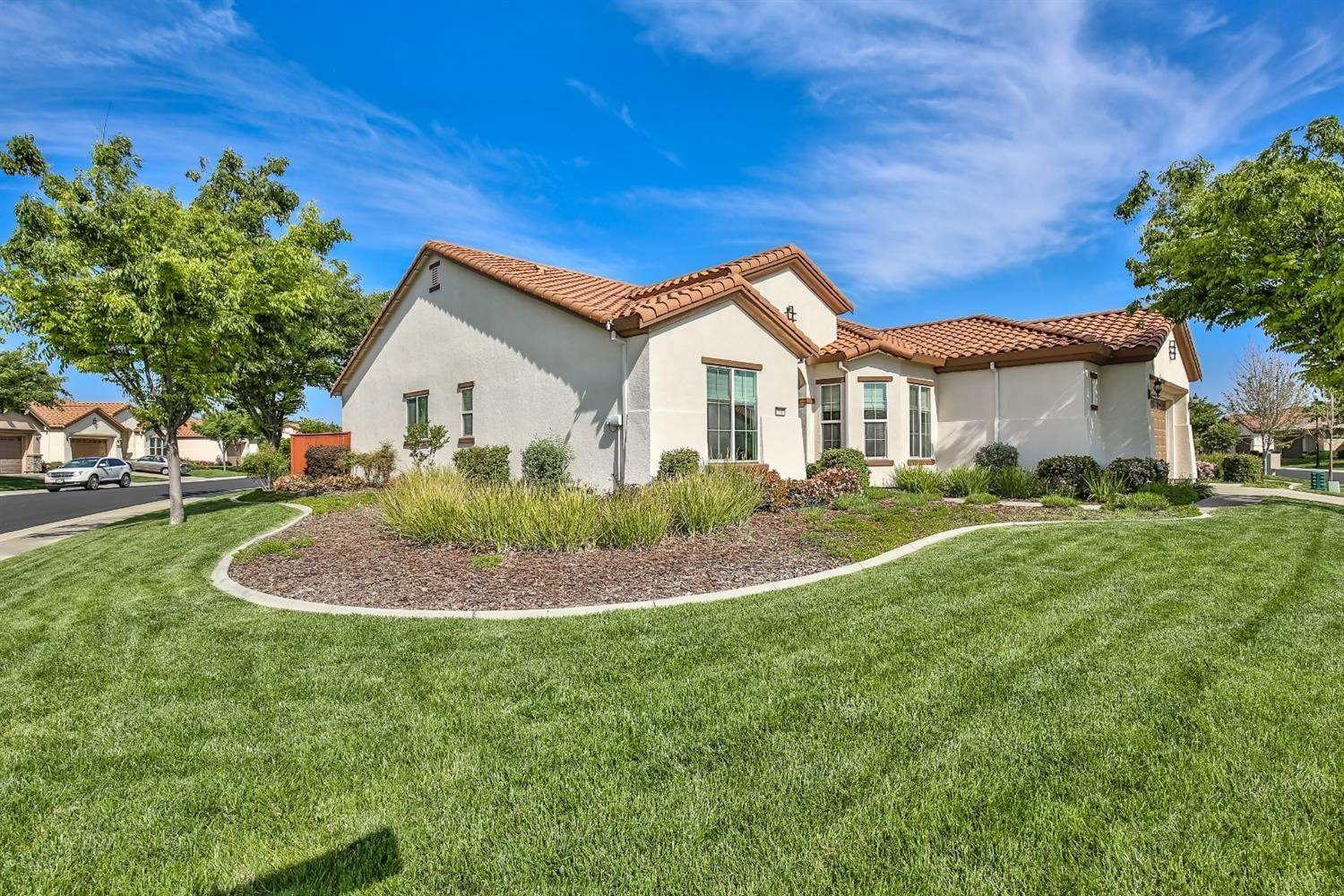 4. Single Family Homes for Active at 2040 Fluxton Drive Roseville, California 95747 United States